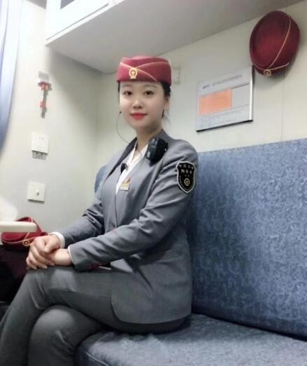 邓瑶--南昌铁路局福州客运段列车长