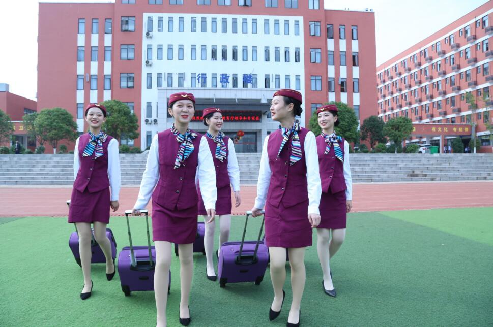 南昌向远轨道技术学校2021版乐化校区浓郁和谐的校园文化
