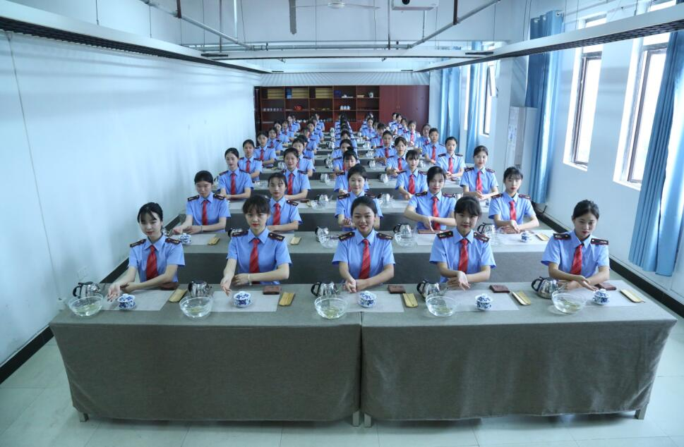 南昌向远轨道技术学校2021版实训设施一流 专业师资荟萃