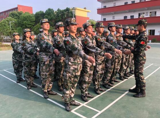 南昌向远铁路学校国旗护卫队