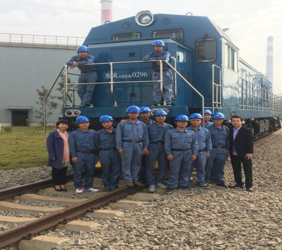 南昌铁路学校老师赴就业单位回访、慰问毕业生