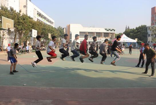 热烈祝贺南昌向远轨道技术学校第十届运动会顺利举行