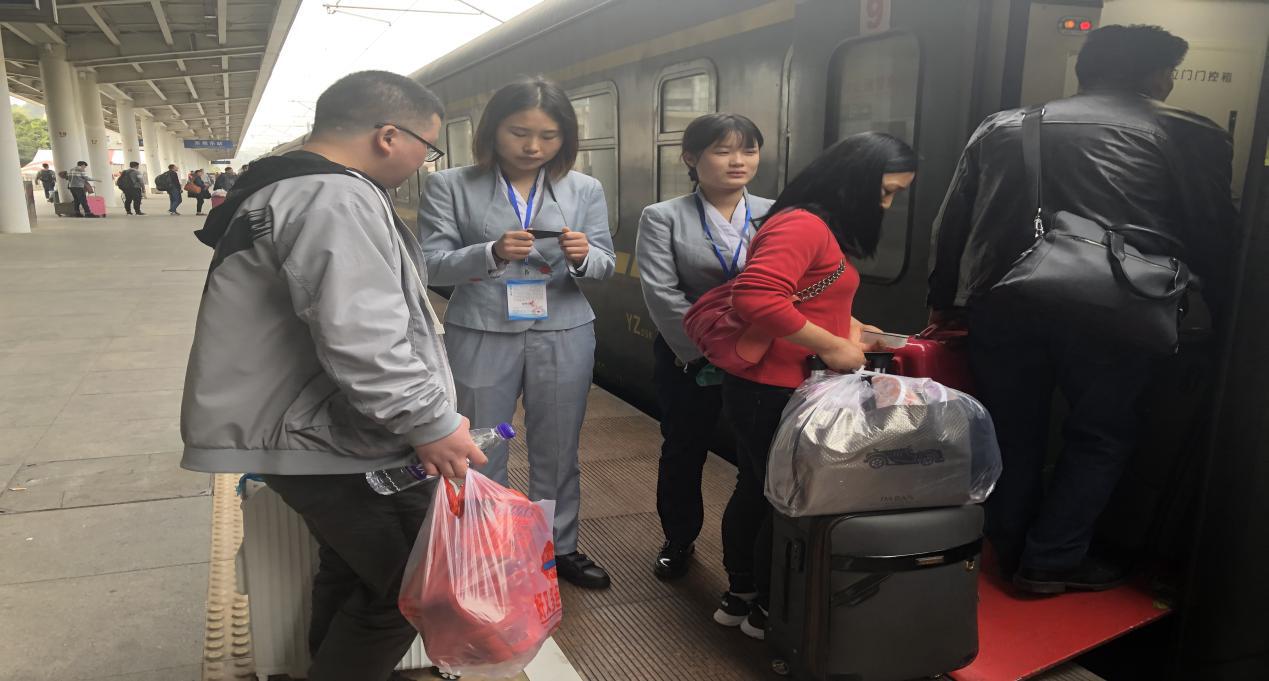 南昌向远轨道技术学校志愿者服务