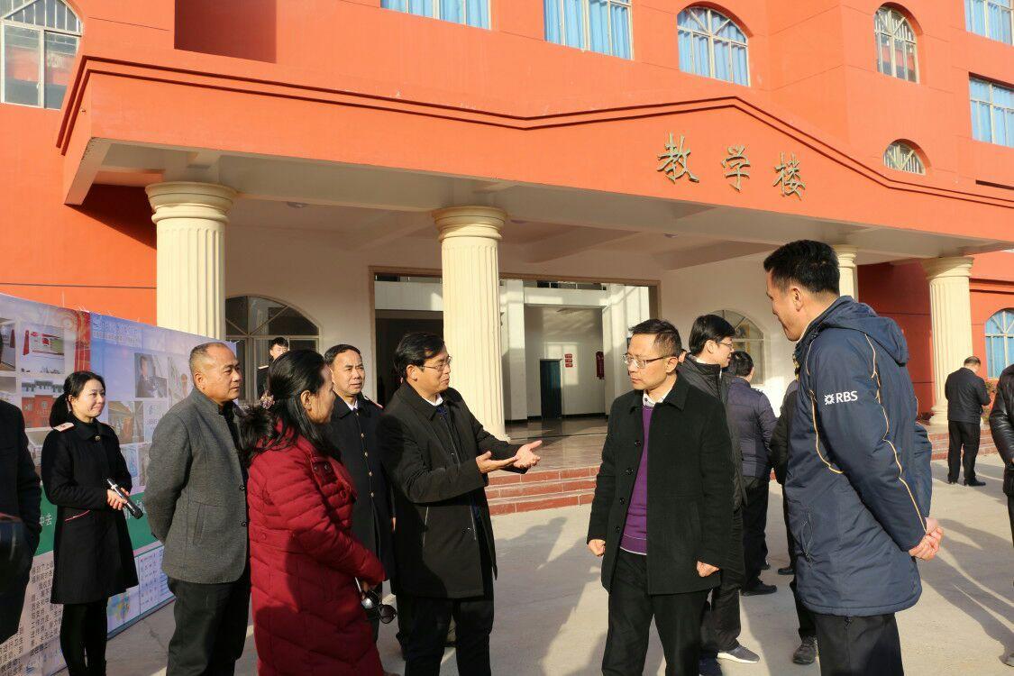 南昌向远轨道技术学校新建区领导来校参观考察