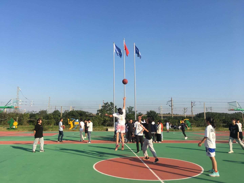 """绽青春风采,秀篮球魅力--南昌向远轨道技术学校举办第十届""""新生杯""""篮球赛"""