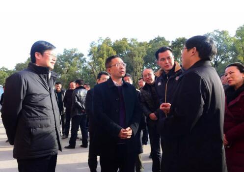 新建区四大班子领导莅临南昌铁路学校乐化新校区视察工作