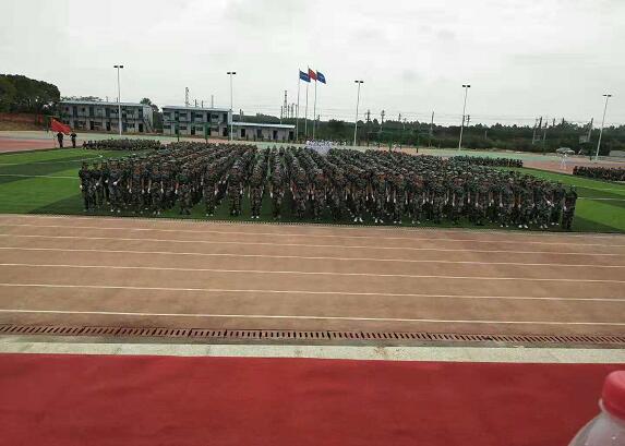 南昌向远轨道技术学校乐化校区半军事化的管理模式