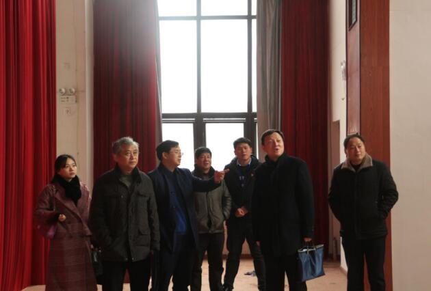 南昌市财政局、教育局领导干部一行莅临南昌向远轨道技术学校检查指导工作!